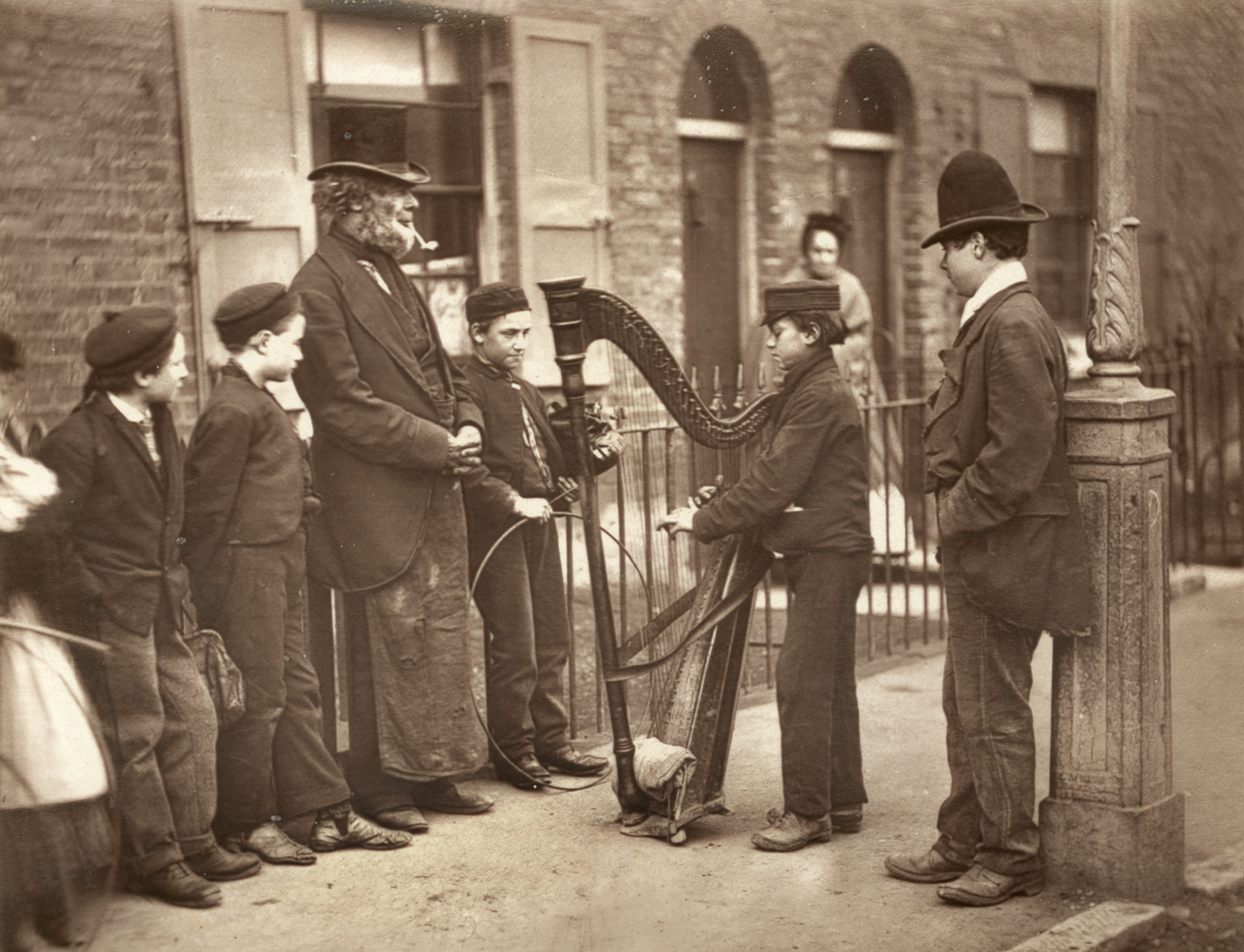 Italian immigration in late-Victorian Britain / Our